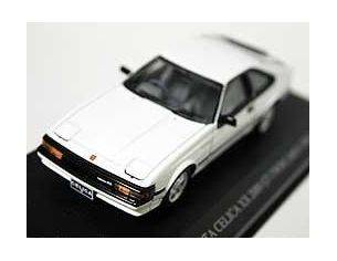 Aoshima 74060 TOYOTA CELICA XX 2000 GT 1983 1/43 Modellino