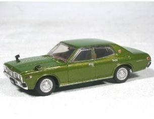 Aoshima 74138 NISSAN CEDRIC 2000GL-E GREEN'77 1/43 Modellino