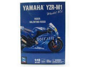 New Ray NY42225 YAMAHA V.ROSSI 2004 KIT 1:12 Modellino