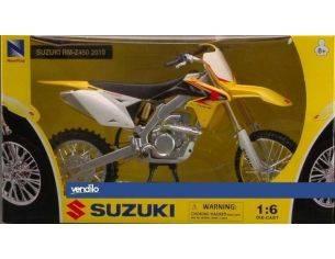 New Ray NY49083S SUZUKI RM-Z 450 2010 1:6 Modellino